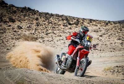 Dakar 2021, dal labirinto della tappa 5 esce trionfante Benavides