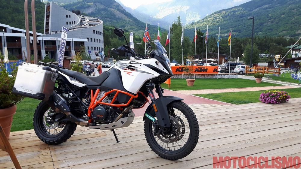 scegli autentico morbido e leggero metà fuori Prova KTM 1090 Adventure R: pregi e difetti - Motociclismo ...